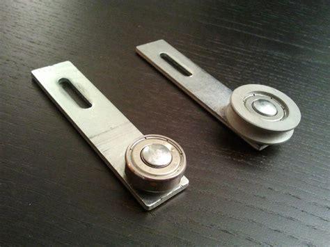 galet pour porte coulissante galets de porte coulissante placard tableau isolant thermique