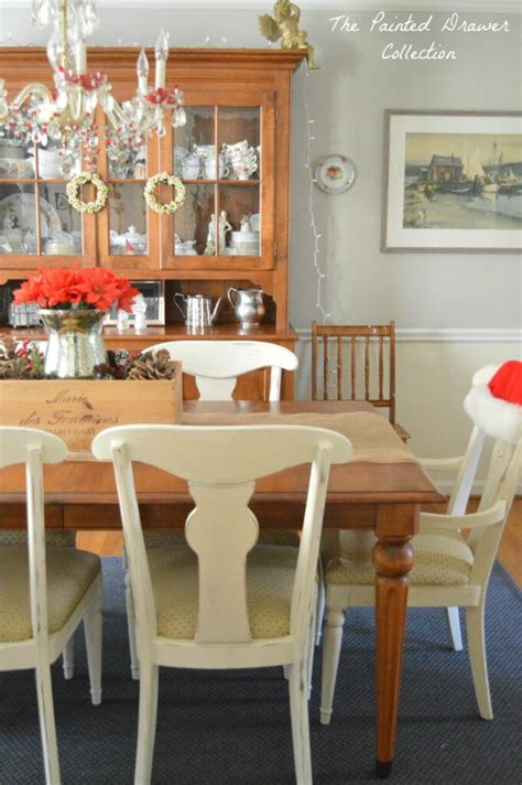 distress annie sloan chalk paint tutorial   dining room chairs