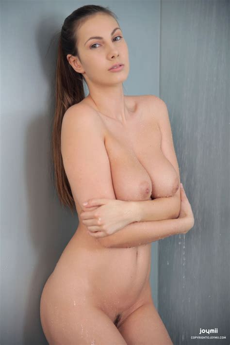 Connie Carter In The Shower Sexy Gallery Full Photo