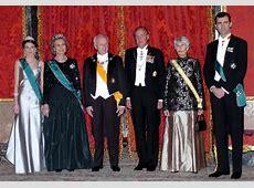 Família Real Espanhola em recepção no Palácio Real de