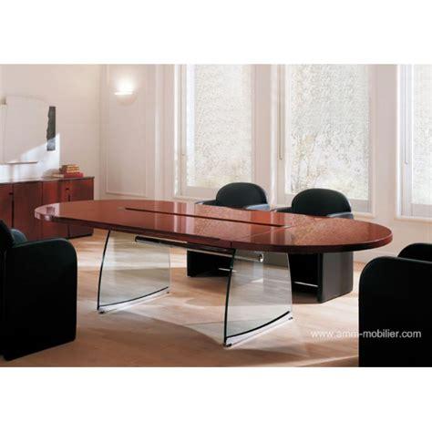 plateau de bureau en verre sur mesure table de réunion ovale flute finition acajou honduras par
