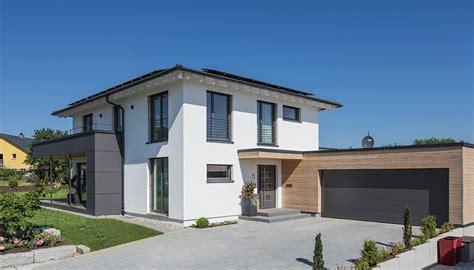 Moderne Häuser Aussenanlage by Wohnideen Interior Design Einrichtungsideen Bilder