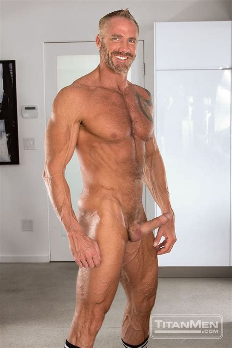muscle daddy dallas steele and hunter marx fuck each other in new titanmen movie break a sweat