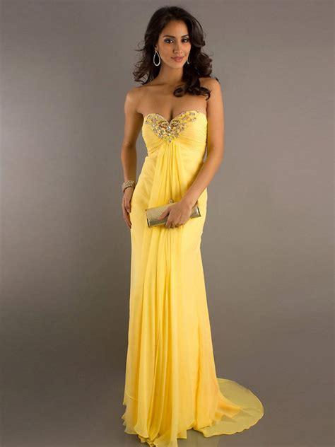 robes de chambres pour choisir une robe robe soiree longue jaune
