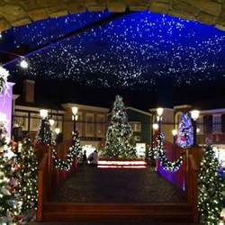 yankee candle christmas shop williamsburg va yankee candle holiday village pinterest