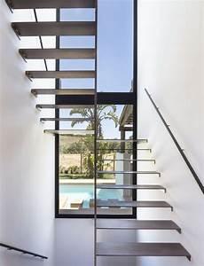 Fenster Für Treppenhaus : schwebende treppen 50 ideen f r zeitgen ssisches design ~ Michelbontemps.com Haus und Dekorationen