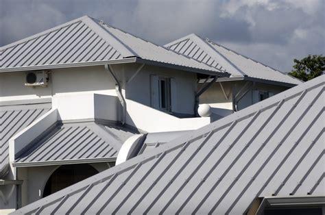 Roof : Five Ways To Keep Your Metal Roof Quiet