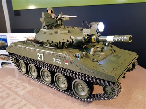tamiya   airborne tank  sheridan full option