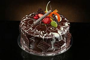 Cake Decorating With Chocolate Ganache - CAKE DECOTIONS