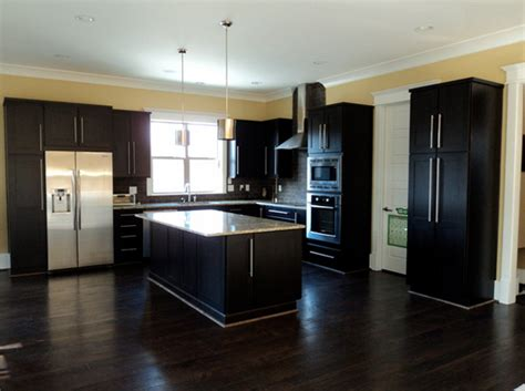 Beautiful Kitchen Colors With Dark Cabinets