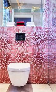 carrelage salle de bains 34 idees avec la belle mosaique With carrelage rose salle de bain