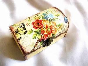 Verspielter Floraler Design Stil : cutie lemn stil cufar cu model floral si fluture cutie din lemn decorata 29705 cadouri handmade ~ Watch28wear.com Haus und Dekorationen