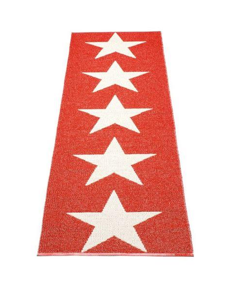 pappelina viggo one rouge vanille tapis design en