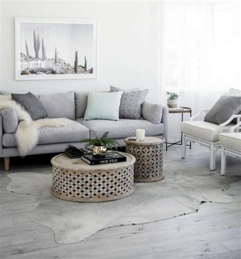 deco salon canape gris un salon en gris et blanc c 39 est chic voilà 82 photos qui