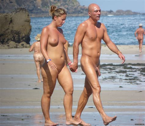 A Naked Walk The Sl Naturist