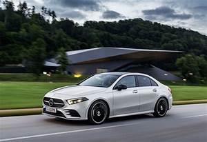 Classe A Berline : mercedes classe a sedan pour fendre l air moniteur automobile ~ Medecine-chirurgie-esthetiques.com Avis de Voitures