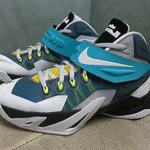 Nike LeBron Zoom Soldier 8 - White/Blue-Yellow-Black ...