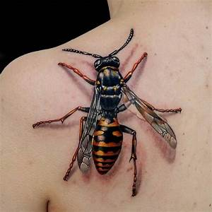Upper Back Simple Realistic 3D Bee Tattoo - Golfian.com