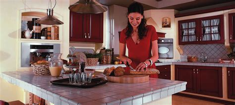 piastrelle per piano cucina muratura quale top per la cucina il piano piastrellato michele