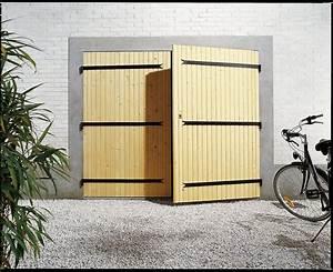 Porte De Garage Bois : une porte de garage avec deux vantaux en bois leroy merlin ~ Melissatoandfro.com Idées de Décoration