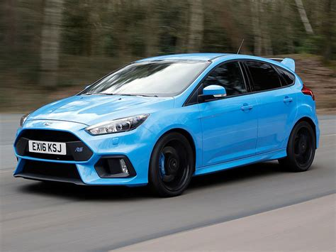 ford focus rs car review  road   track  super