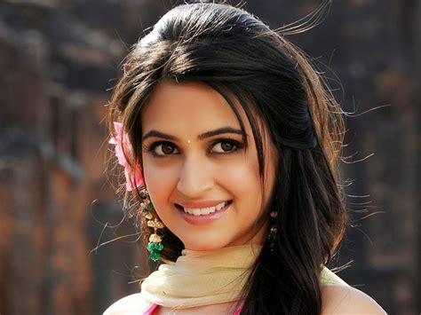 2018 kriti kharbanda hd wallpapers image gallery kriti kharbanda beautiful hd wallpaper