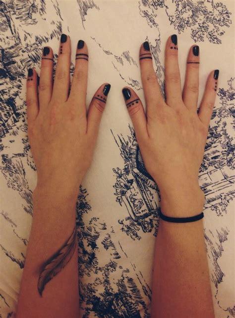 Fingers. – Tattoologist