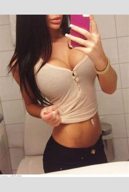 Hot photos of Instagram babes