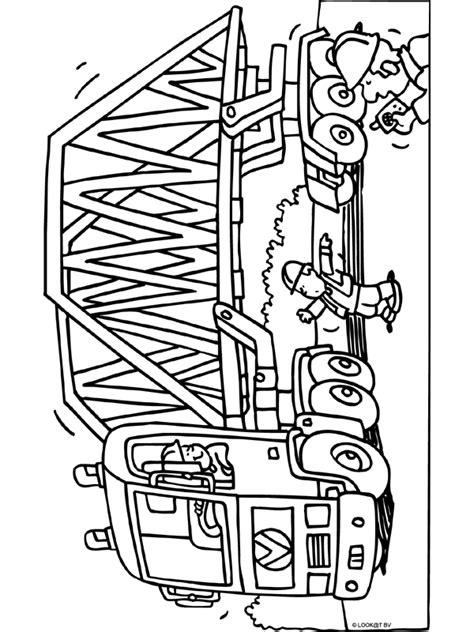 Kleurplaten Vrachtwagen Met Kraan by Kleurplaat Vrachtwagen Met Grote Brug Kleurplaten Nl