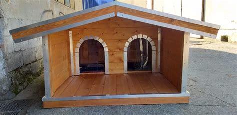 veranda per cer cucce per cani in legno su misura doppie con veranda