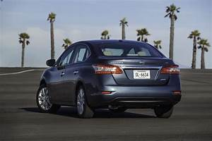 2015 Nissan Sentra Pictures  Photos Gallery