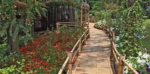 Bambus Im Garten : bambus garten aequivalere ~ Markanthonyermac.com Haus und Dekorationen