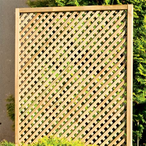 Clementine Diamond Trellis > Garden Panel  Tate Fencing