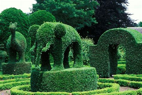 Topiary : 25 Most Amazing Sculpture Gardens In The World