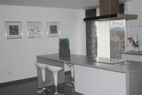 photo cuisine et grise cuisine on cuisine design ikea kitchen and plan de travail