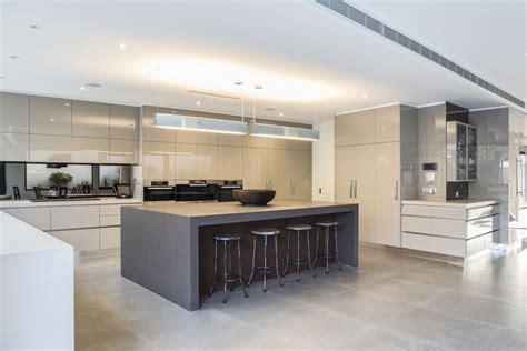 cuisine de luxe moderne stylish family home in melbourne australia