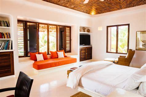 chambre hotel au mois esencia luxe cool et cadre idyllique sur la riviera