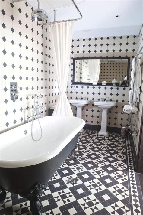 roux cuisine black and white bathrooms design ideas