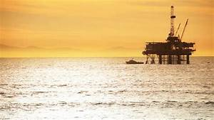 Offshore Oil Rig Drilling Platform - Pacific Coast Stock ...