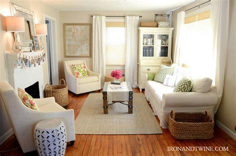 Decorating Ideas Small Living Rooms Talentneedscom