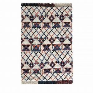 tapis berbere vs tapis kilim il est temps de choisir son With tapis berbere avec canapé diva avis