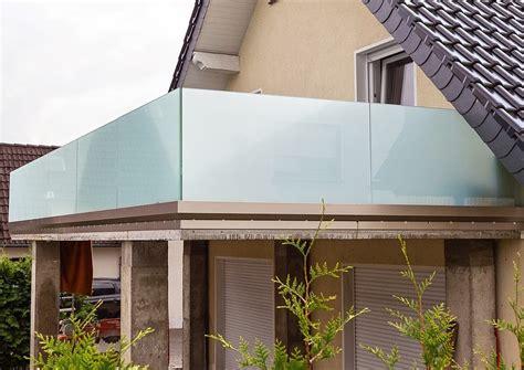 Sicherheitsglas Für Balkon by Balkongel 228 Nder Und Windschutz Aus Sicherheitsglas