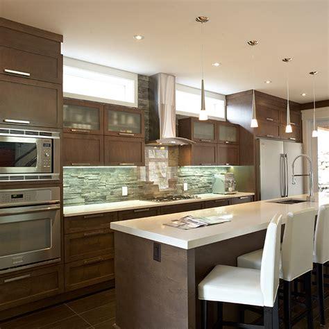 deco cuisine contemporaine armoire de cuisine contemporaine avec grand ilot idées
