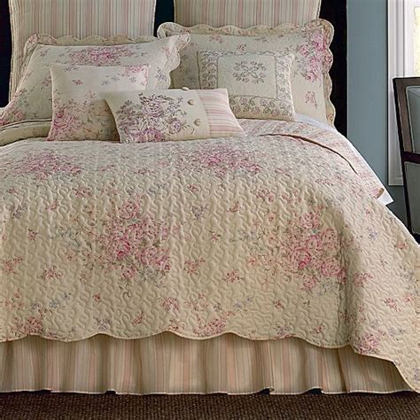 jcpenney shabby chic bedding giselle coverlet set more jcpenney bedspread and comforters pinterest shabby chic