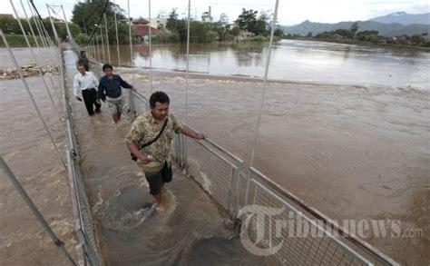 Banjir Akibat Sungai Citarum Meluap, Foto 2 #509191