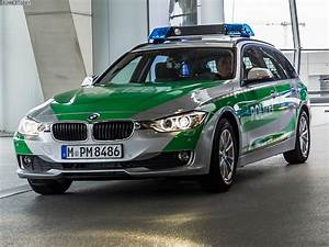 Bayern Automobiles : bmw delivers 3 series touring and x3 police cars to bavaria ~ Gottalentnigeria.com Avis de Voitures