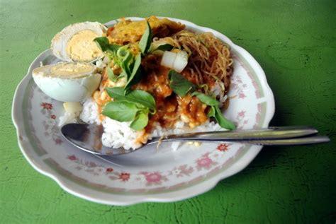 mengupas sejarah kuliner pecel  indonesia republika