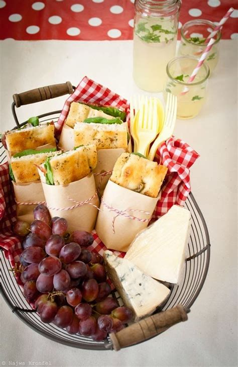 food for a picnic best 25 summer picnic ideas on pinterest