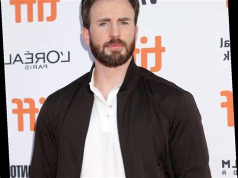 Chris Evans Has Marveled Fans For This Totally NSFW Reason ...
