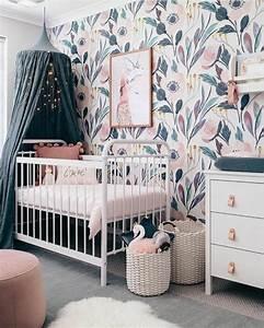 1001 idees pour la decoration chambre bebe fille With chambre bébé design avec livraison fleurs pivoines